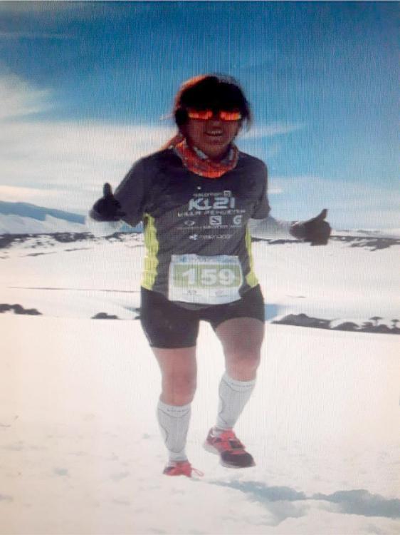 dominguez Volcán  batea Mahuida 21km en la nieve compitiendo con chilenas y haciendo podio