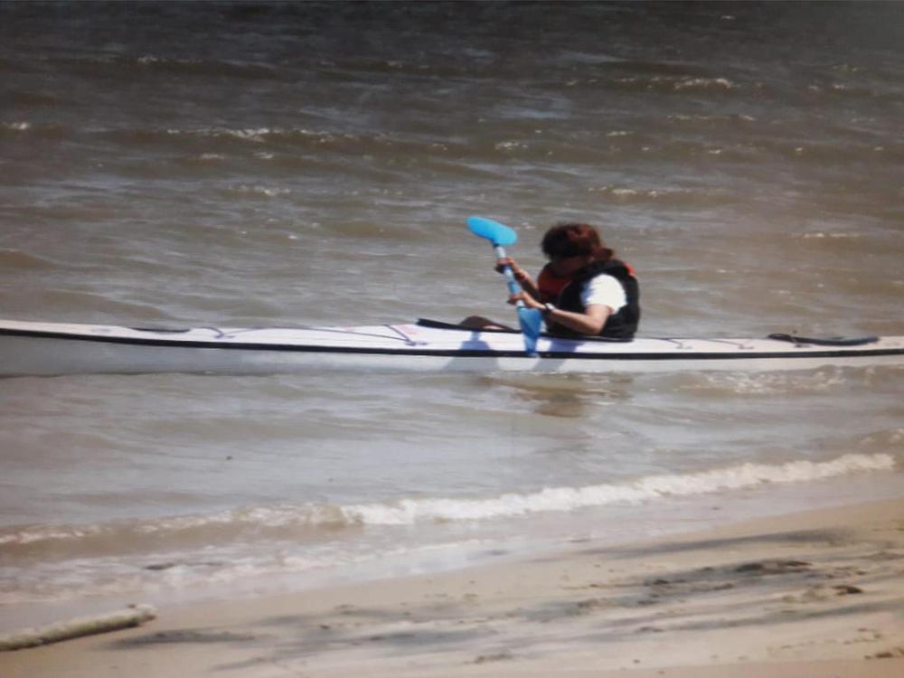 dominguez kayak en el rio parana
